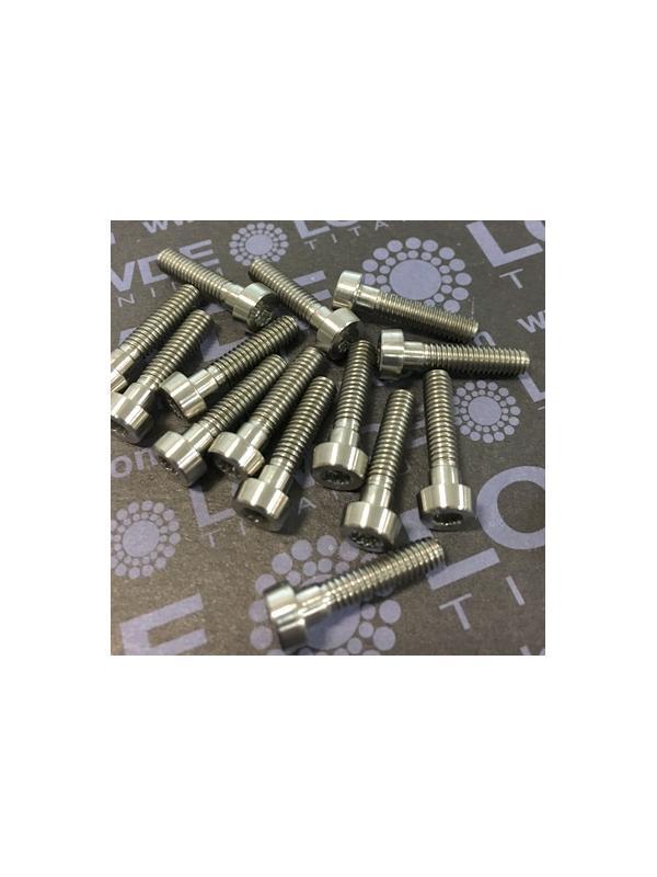 70 Items LN 29950 Mj4x17 titanio gr. 5 (6Al4V) - 70 Items LN 29950 Mj4x17 mm. titanio gr. 5 (6Al4V) AMS 4928. Fabricado bajo normativa aeroespacial. Certificados de calidad incluidos.