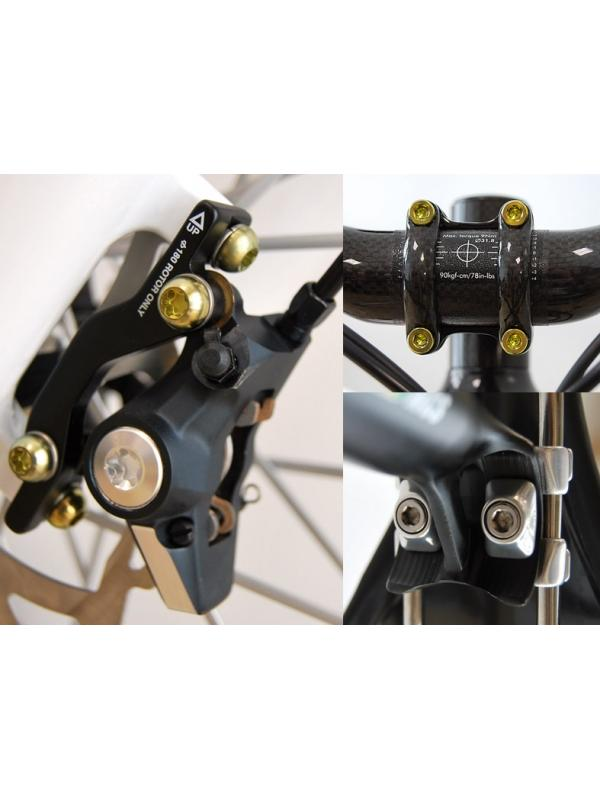 BICICLETAS - BICICLETAS. Tornillería de titanio gr. 5 (6Al4V), discos de freno de aleación de titanio, ejes, piezas a medida… • Kits completos de tornillería de titanio. • Venta on line. Compra mínima: 40,00 euros. • Centros de montaje LOWDE-TITANIUM. Busca el más cercano entre nuestros más de 70 distribuidores. • Anodizamos tu kit de tornillería de Titanio.
