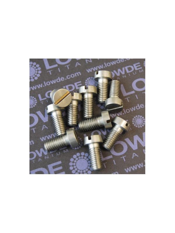 DIN 84 M8x17 mm. de titanio gr. 5 (6Al4V).  - DIN 84 M8x17 mm. de titanio gr. 5 (6Al4V). Destornillador plano