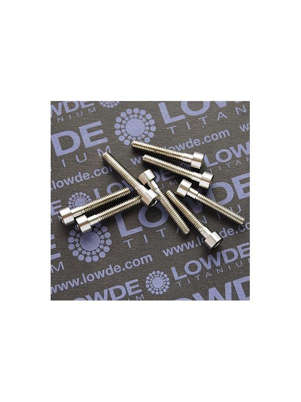 DIN 912 M4x25 titanio gr. 5 (6Al4V) - Tornillo DIN 912 M4x25 mm. de titanio gr. 5 (6Al4V)