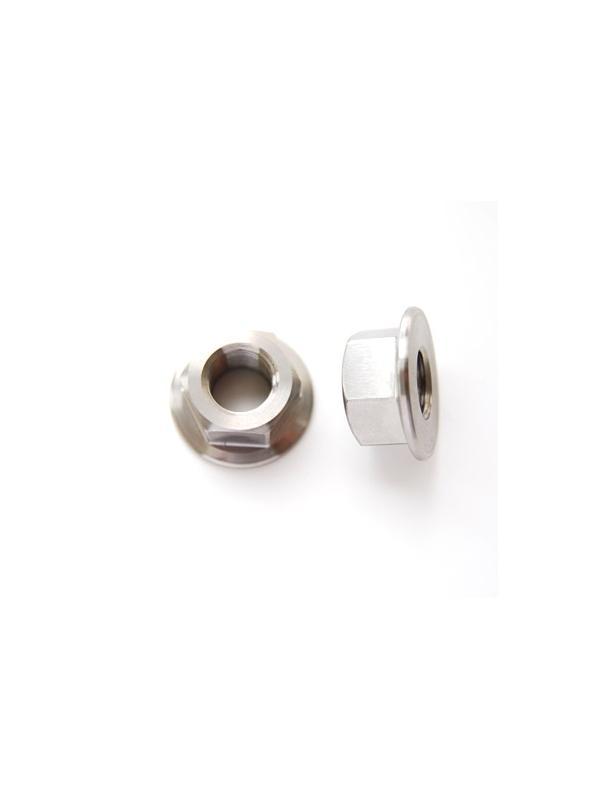 Tuerca DIN 6923 M12x1,50 de titanio gr. 5 (6Al4V). - Tuerca DIN 6923 M12x1,50 de titanio gr. 5 (6Al4V). Diámetro balona: 26 mm.