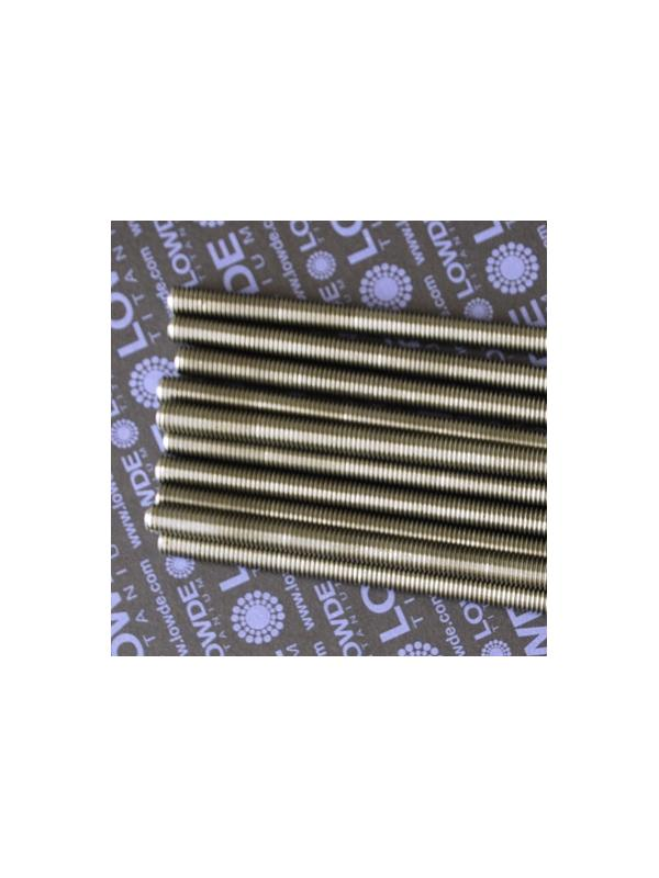 1 Varilla roscada M10x1,50x410 mm. de titanio gr. 2. - Varilla totalmente roscada M10x410 mm. Paso de rosca de 1,50 (el habitual en métrica 10) Titanio gr. 2.