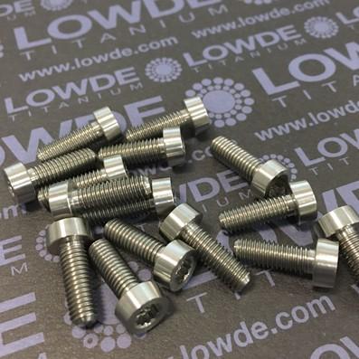 49 Items LN 29950 MJ5x14 titanio gr. 5 (6Al4V) - 49 Items LN 29950 MJ5x14 mm. titanio gr. 5 (6Al4V) AMS 4928. Fabricado bajo normativa aeroespacial. Certificados de calidad incluidos.