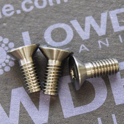 Avellanado DIN 7991 M4x10 mm. de titanio gr. 5 (6Al4V)