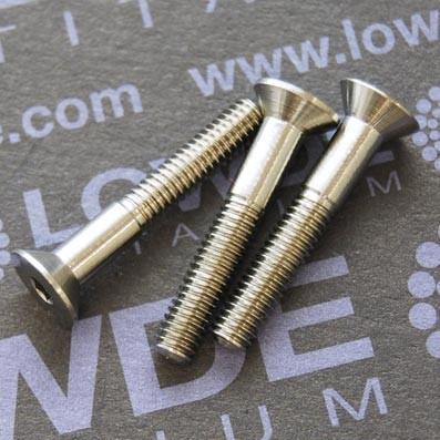 Avellanado DIN 7991 M4x25 mm. de titanio gr. 5 (6Al4V) - Avellanado DIN 7991 M4x25 mm. de titanio gr. 5 (6Al4V). Rosca de 15 mm.