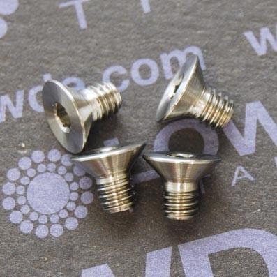 Avellanado DIN 7991 M4x6 mm. de titanio gr. 5 (6Al4V)