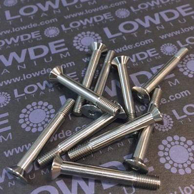 Avellanado DIN 7991 M5x40 mm. de titanio gr. 5 (6Al4V). Roscados 10 mm.