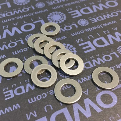 Arandela DIN 125 M8 de titanio gr. 2 (puro) - 1 Arandela DIN 125 M8 de titanio gr. 2 (puro)