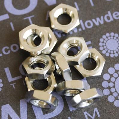 Tuerca baja DIN 439 M6 de titanio gr. 5 (6Al4V)