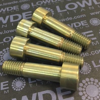 DIN 912 M10x40 mm. de titanio gr. 5 (6Al4V). Anodizado oro - DIN 912 M10x40 mm. de titanio gr. 5 (6Al4V). Roscado 15 mm. Anodizado oro.