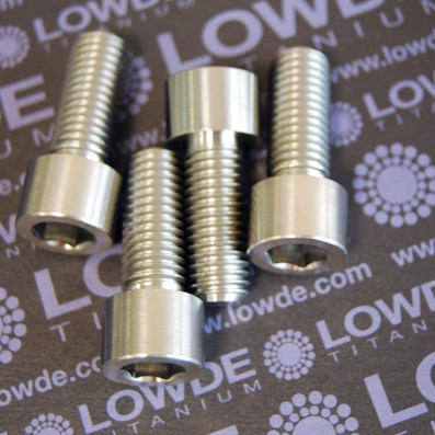Tornillo DIN 912 M12x30 titanio gr. 5 (6Al4V) - 1 Tornillo DIN 912 M12x30 titanio gr. 5 (6Al4V)