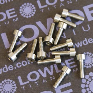 DIN 912 M3x10 titanio gr. 5 (6Al4V) - Tornillo DIN 912 M3x10 mm. de titanio gr. 5 (6Al4V)
