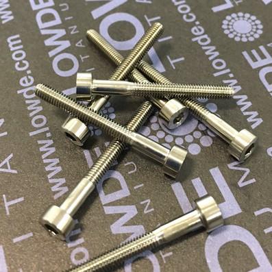 Tornillo DIN 912 M3x28 mm. de TITANIO gr. 5 (6Al4V) - Tornillo DIN 912 M3x28 mm. de titanio gr. 5 (6Al4V)