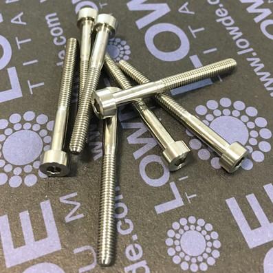 Tornillo DIN 912 M3x30 mm. de TITANIO gr. 5 (6Al4V) - Tornillo DIN 912 M3x30 mm. de titanio gr. 5 (6Al4V)