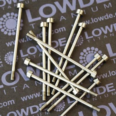 Tornillo DIN 912 M3x50 mm. de TITANIO gr. 5 (6Al4V) Rosca 6 mm. - Tornillo DIN 912 M3x50 mm. de titanio gr. 5 (6Al4V) Rosca de longitud 6 mm. Bisel en un lado de la cabeza. Medidas y tolerancias según plano.