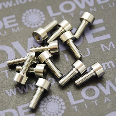 DIN 912 M3x8 titanio gr. 5 (6Al4V) - 1 Tornillo DIN 912 M3x8 mm. de titanio gr. 5 (6Al4V)