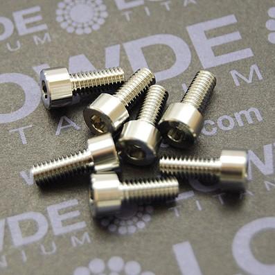 DIN 912 M4x10 titanio gr. 5 (6Al4V)