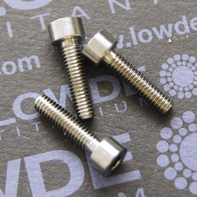 DIN 912 M4x16 titanio gr. 5 (6Al4V) - 1 Tornillo DIN 912 M4x16 mm. de titanio gr. 5 (6Al4V)