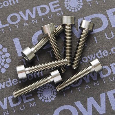 DIN 912 M4x20 titanio gr. 5 (6Al4V) - Tornillo DIN 912 M4x20 mm. de titanio gr. 5 (6Al4V)