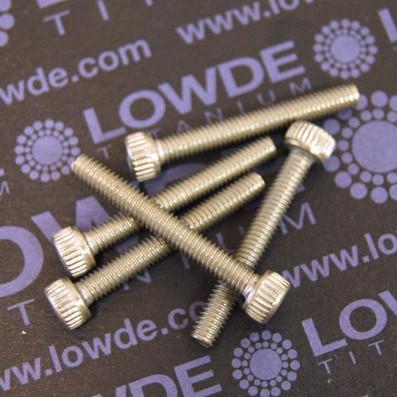 Tornillo DIN 912 M4x30 mm. de titanio gr. 2 (puro) - Tornillo DIN 912 M4x30 mm. de titanio gr. 2 (puro)