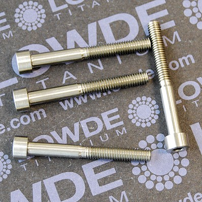 DIN 912 M4x35 titanio gr. 5 (6Al4V)
