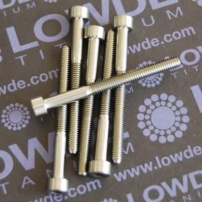 DIN 912 M4x45 titanio gr. 5 (6Al4V) - Tornillo DIN 912 M4x45 mm. de titanio gr. 5 (6Al4V). Rosca 30 mm.