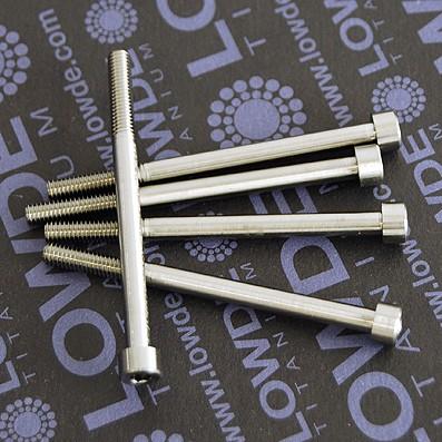 DIN 912 M4x55 titanio gr. 5 (6Al4V) - Tornillo DIN 912 M4x55 mm. de titanio gr. 5 (6Al4V). Rosca 15 mm.