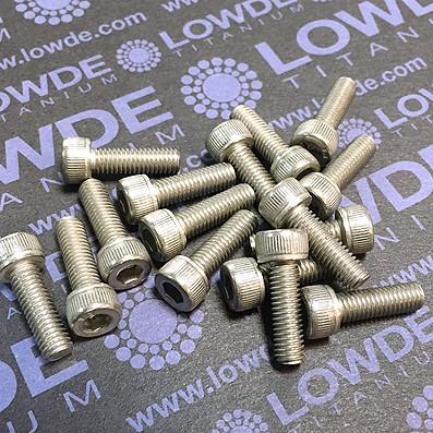Tornillo DIN 912 M5x16 mm. de titanio gr. 2 (puro)