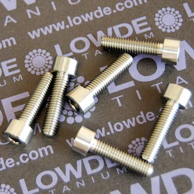 DIN 912 M5x18 titanio gr. 5 (6Al4V) - Tornillo DIN 912 M5x18 mm. de titanio gr. 5 (6Al4V)