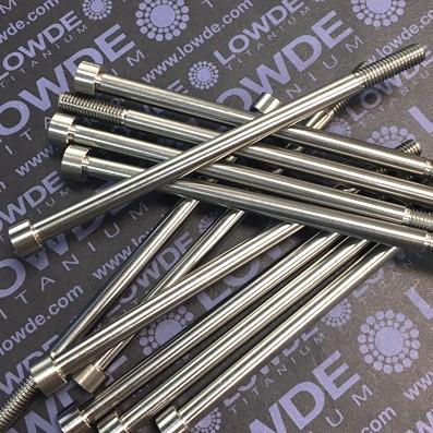 Tornillo DIN 912 M6x114 mm. titanio gr. 5 (6Al4V). Rosca 20 mm.