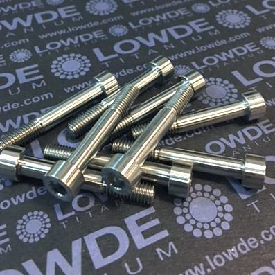 DIN 912 M6x40 titanio gr. 5 (6Al4V) Longitud rosca: 15 mm. - DIN 912 M6x40 titanio gr. 5 (6Al4V). Longitud rosca: 15 mm.