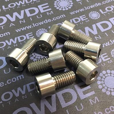 DIN 912 M8x15 titanio gr. 5 (6Al4V) - Tornillo DIN 912 M8x15 mm. de titanio gr. 5 (6Al4V)