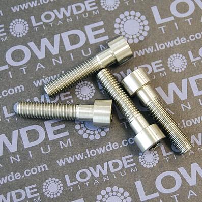 DIN 912 M8x35 titanio gr. 5 (6Al4V). Roscados 25 mm. - Tornillo DIN 912 M8x35 mm. de titanio gr. 5 (6Al4V). Longitud de rosca: 25 mm.