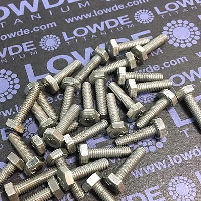 Tornillo DIN 933 M4x15 mm. de titanio gr. 2 (puro)