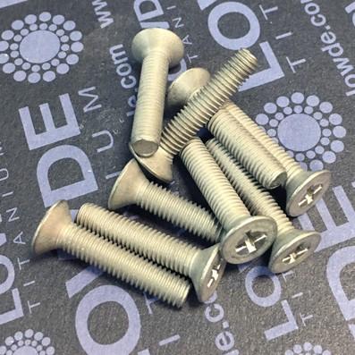 Tornillo DIN 965 M5x25 mm. de titanio gr. 2 (puro) - 1 Tornillo avellanado DIN 965 M5x25 mm. de titanio gr. 2 (puro)