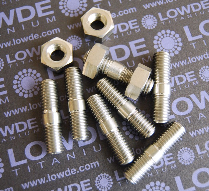 Espárrago M10x39 de titanio gr. 5 (6Al4V) - Espárrago roscado con tope en parte centrál, según plano, M10x39 mm. de titanio gr. 5 (6Al4V)