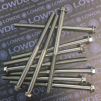HEXAGONAL CON BALONA M8x130 mm. titanio gr. 5 (6Al4V) - 1 Tornillo cabeza hexagonal con balona M8x130 mm. titanio gr. 5 (6Al4V).