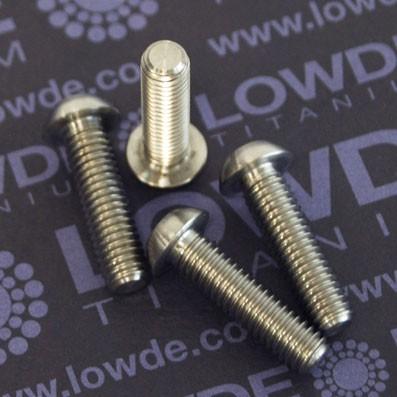 Boton ISO 7380 M6x22 mm. de titanio gr. 5 (6Al4V). Diámetro cabeza: 10 mm.