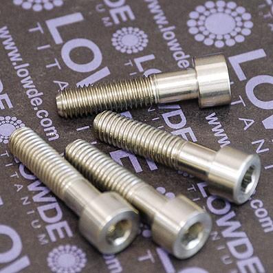 Kit 4 tornillos DIN 912 M8x35 mm. de Titanio gr. 5 (6Al4V)