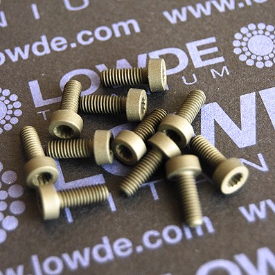 275 Screws LN 29950 M3x8 titanio gr. 5 (6Al4V)