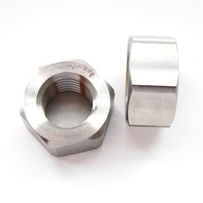 Tuerca DIN 934 M20x2,50 de titanio gr. 5 (6Al4V)