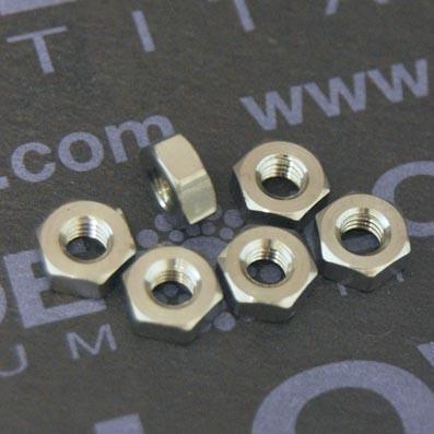 Tuerca DIN 934 M3 de titanio gr. 5 (6Al4V)