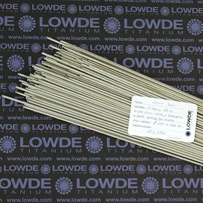 4 Varillas de 1 metro de longitud cada una AMS4951 de diámetro 2 mm. Titanio gr. 4