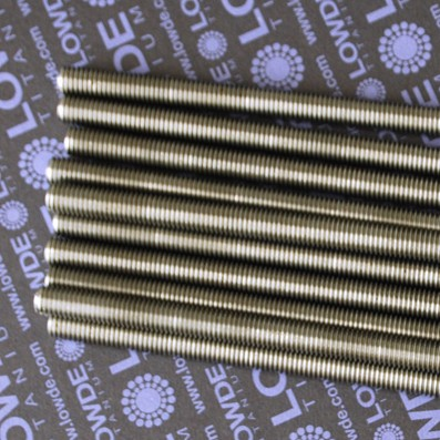 1 Varilla roscada M10x1,50x1200 mm. de titanio gr. 2. - Varilla totalmente roscada M10x1.200 mm. Paso de rosca de 1,50 (el habitual en métrica 10) Titanio gr. 2.